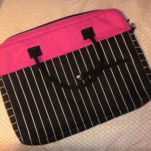 EUC Jack!e Brand Laptop Case!!